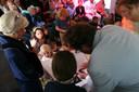 Bas Wintjes en Janneke van Genuchten 4 september 2015 kleinzoon van Treesje mocht als huisvriend van het bruidspaar  afhameren