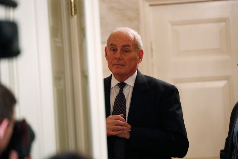 White House Chief of Staff John Kelly looks on as U.S. President Donald Trump delivers remarks in the Diplomatic Room of the White House in Washington, U.S., November 15, 2017. REUTERS/Kevin Lamarque Beeld REUTERS