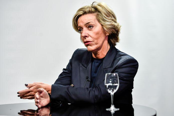 Carina Van Cauter smijt zich in de verkiezingsstrijd.