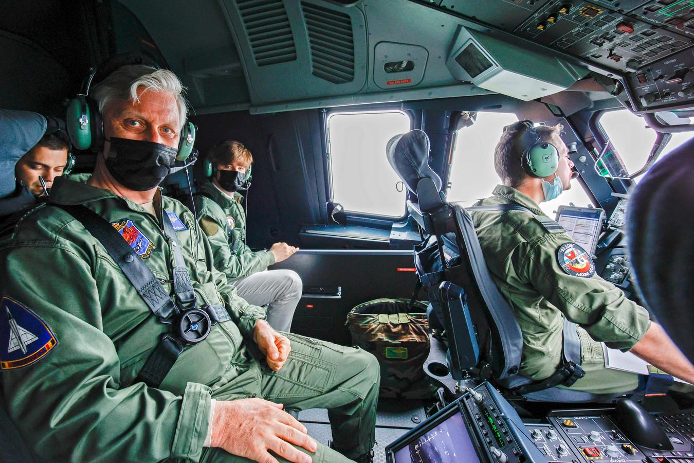 Koning Filip genoot zichtbaar van de vlucht met het nieuwe legertoestel.