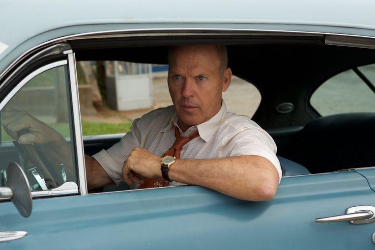 Michael Keaton zet Ray Kroc nooit als een karikatuur neer. Beeld rv Daniel Mcfadden