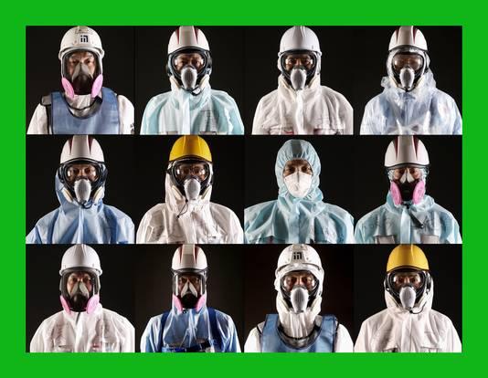 Werknemers van de kernreactor poseren voor een portrettenserie ter herdenking van de ramp.