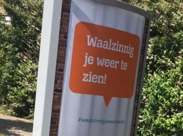 Een billboard met de slagzin die genomineerd is voor Slechtste Slogan 2020.