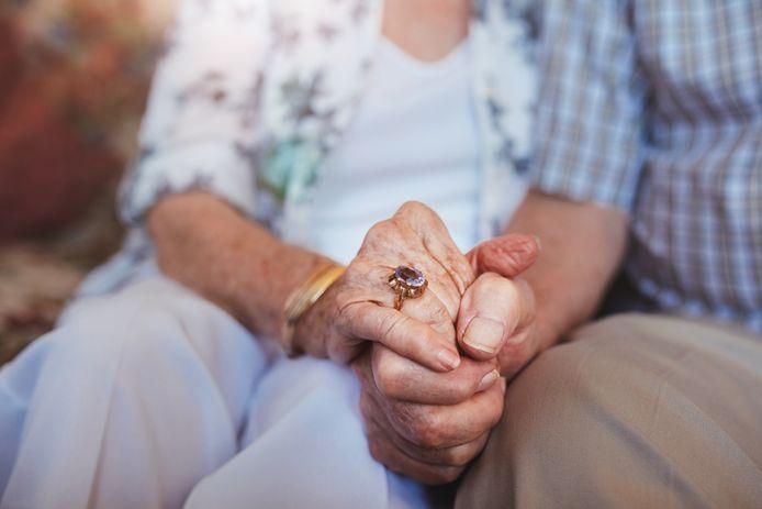 Een 86-jarige Gentse vrouw is jarenlang belogen en bedrogen geweest door een man (60) die stelselmatig haar vertrouwen wist te winnen