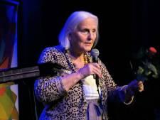 Dorine (82) van The Voice in halve finale Ouderen Songfestival: 'Ik wil gewoon zingen, maakt niet uit waar'