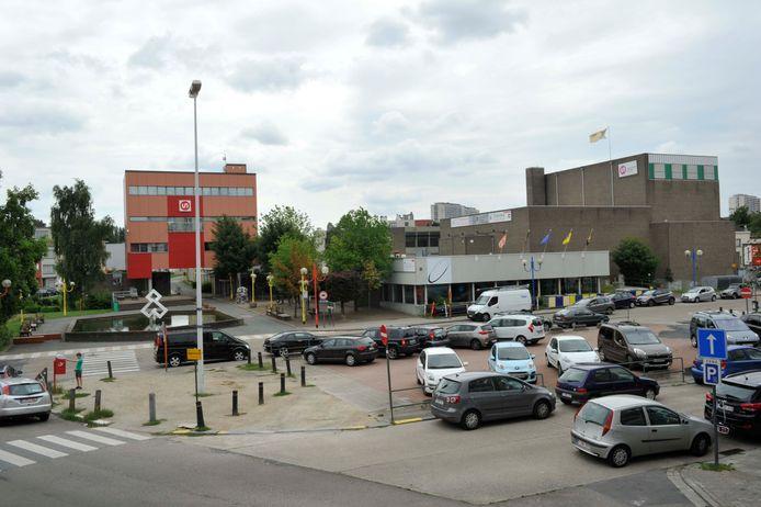Gemeenteplein Strombeek, op de foto nog met toenmalige parking