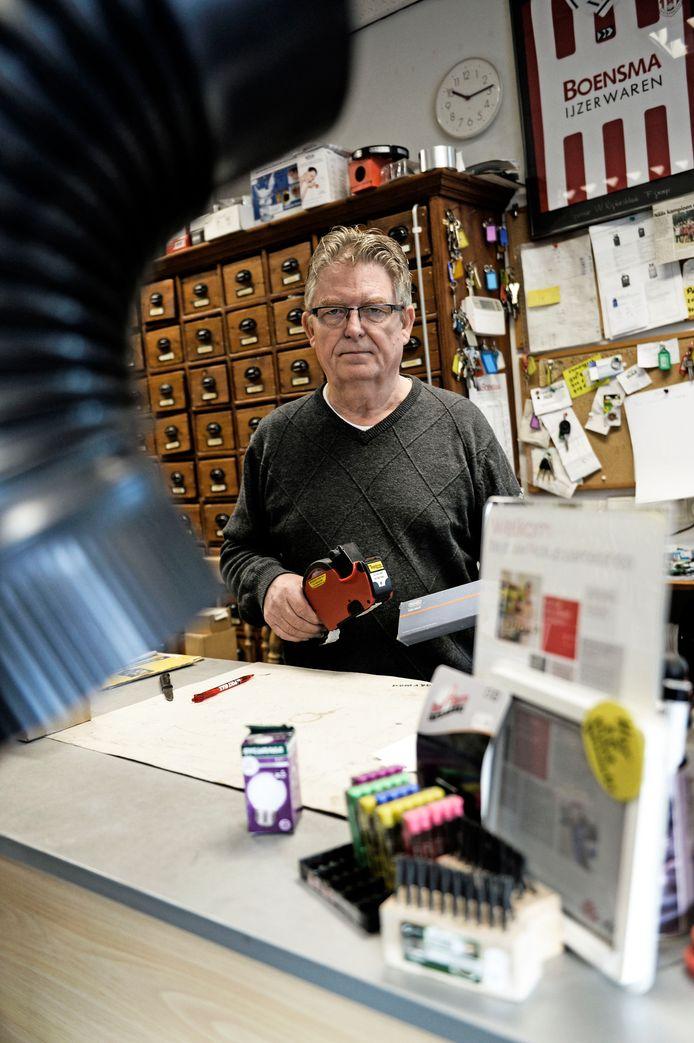 Roel Boensma drijft met zijn vrouw Marieke nog de laatst overgebleven winkel van Boensma IJzerwaren