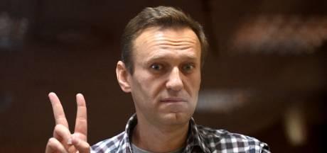 Zieke Kremlin-criticus Navalny gaat in werkkamp in hongerstaking