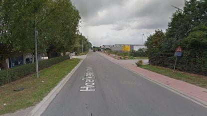 Fietser lichtgewond bij aanrijding in Hoeikensstraat