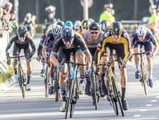 Coen Vermeltfoort voor tweede keer winnaar van Ster van Zwolle, als snelste van een pelotonnetje
