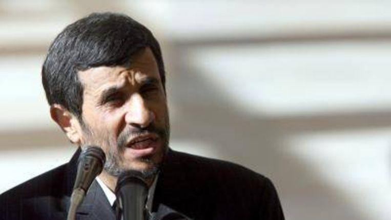De Iraanse president Mahmoud Ahmadinejad heeft een uitnodiging van zijn Iraakse ambtgenoot Jalal Talabani om Irak te bezoeken aanvaard. Dit meldde woensdag de Iraakse onderminister van Buitenlandse Zaken Labeed Abawi. ANP Photo (ANP Photo) Beeld
