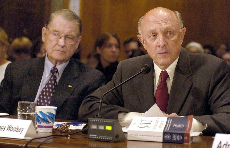 Oud CIA-baas James Woolsey (rechts) Beeld epa