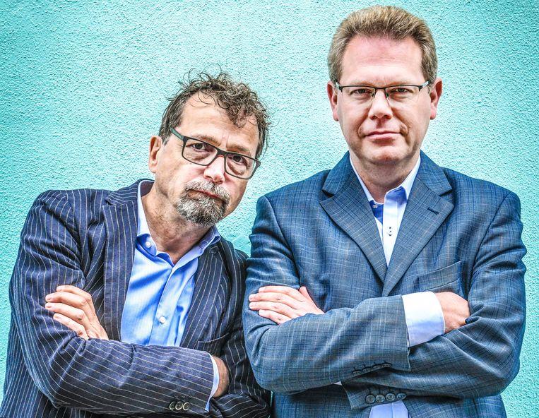 Professoren in de internationale politiek Bart Kerremans (KU Leuven) en David Criekemans (Universiteit Antwerpen).  Beeld Koen Bauters