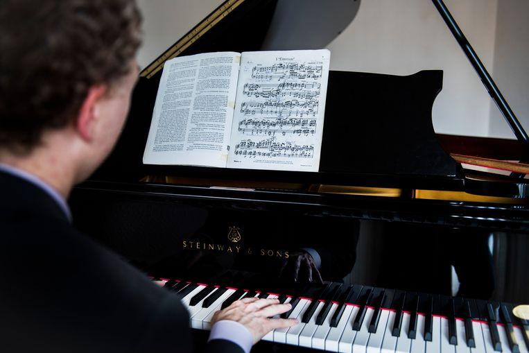 Pianist Ralph van Raat.  Beeld Bram Petraeus