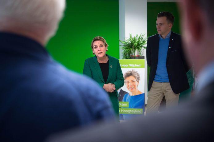 Ank Bijleveld op bezoek bij het CDA in Wijchen. Rechts lokaal lijsttrekker Björn Derksen.
