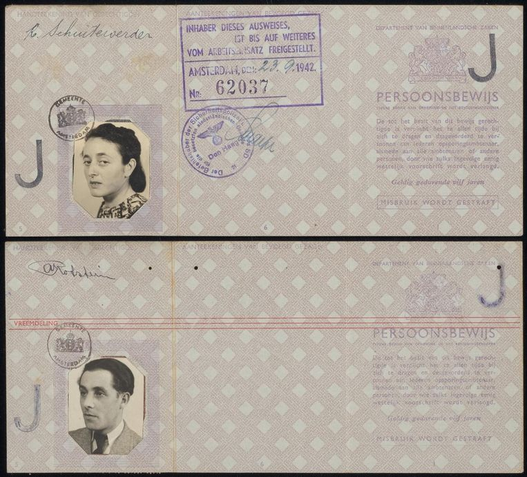 Het persoonsbewijs van de Joodse Reina Schuitevoerder is gevonden in het archief van de Burgerlijke Stand en het Bevolkingsregister, samen met die van de Joodse Noach Rotstein, beiden geboren in 1911, en enkele Jodensterren en documenten. De spullen zijn in 1960 tijdens een verbouwing van een woning in de Semarangstraat 24 tweehoog gevonden en door de bewoners - familie De Bruin - aan de politie gegeven, die de spullen doorstuurde naar het bevolkingsregiste Beeld Bas Uterwijk
