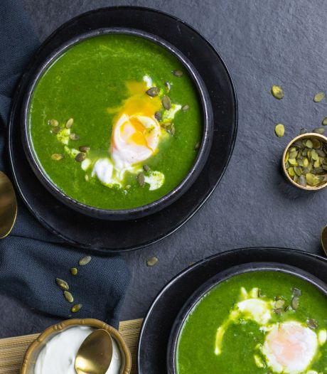 Wat Eten We Vandaag: Spinaziesoep met een gepocheerd ei