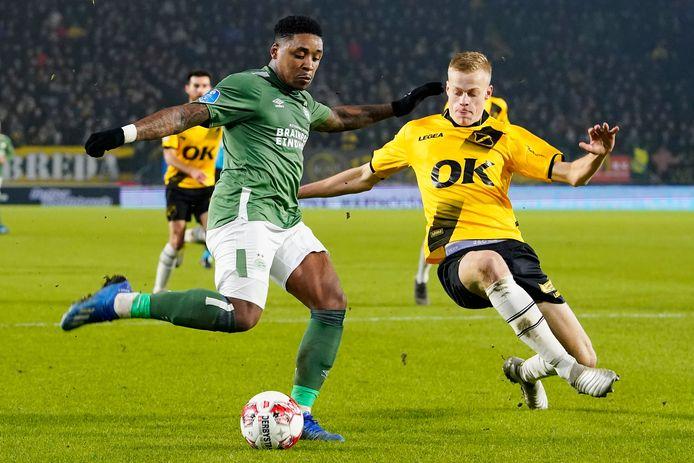 De transfer van Jan Paul van Hecke is definitief afgerond. De verdediger is door NAC aan Brighton and Hove Albion verkocht.