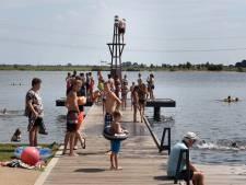 Zwemsteigers in Woerden uit voorzorg afgesloten door burgemeester