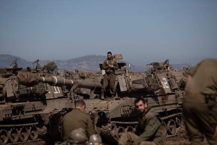 Israëlische soldaten bij de Syrisch-Israëlische grens eind vorige maand. Beeld EPA