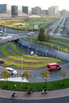 Dit is waarom de grote rotonde bij het Eemplein een nóg grotere nachtmerrie voor de automobilist wordt