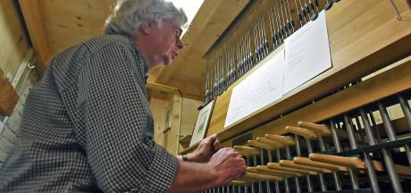 Op het carillon in Sluis klinkt de komende weken van alles: van Bløf tot Bach
