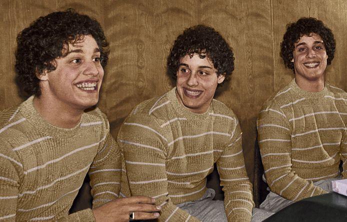 Ces triplés ont été séparés à la naissance et ne l'ont appris qu'à l'âge de 19 ans.
