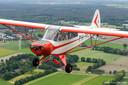 De Piper Cub met de verongelukte vliegers Mano Groenland en Rene Bubberman.