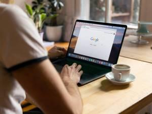 """Sur Google Docs, ne dites plus """"infirmières"""" mais """"personnel infirmier"""""""