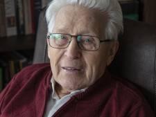 Verzetsstrijder Roelf Wolterink (97) uit Rijssen legt krans op de Dam: 'Herdenken moet, maar doet pijn'