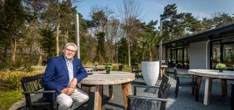 Nieuwsoverzicht | Tilburgse naar Drenthe gestuurd voor coronavaccinatie - Henk Krol begint bed and breakfast in bossen