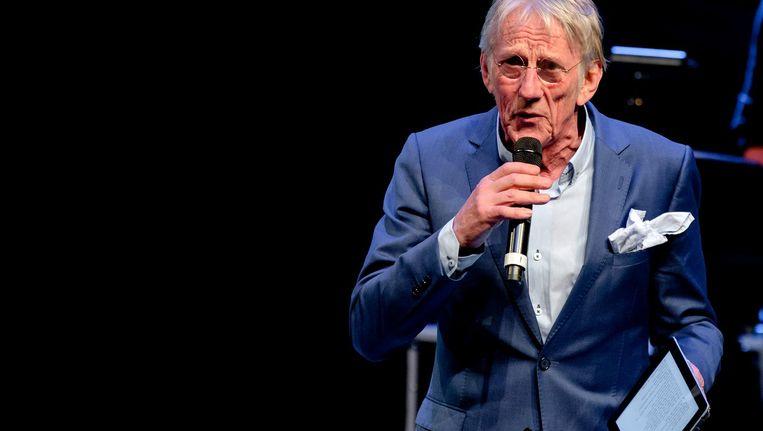 Freek de Jonge tijdens een eerbetoon aan Herman Finkers in het DeLaMar vorig jaar Beeld anp