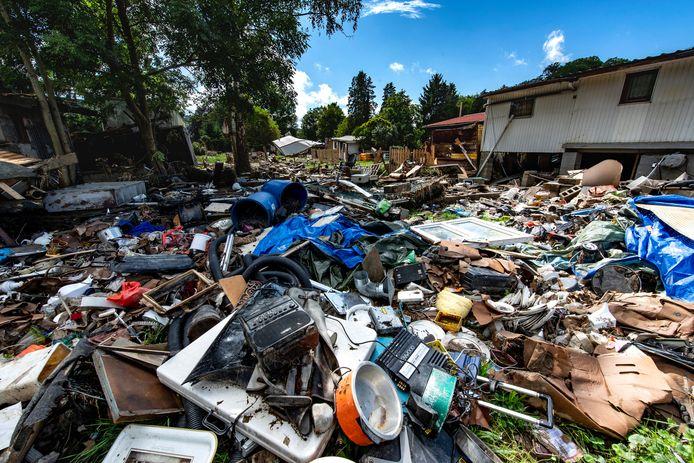 De ravage na het noodweer was op sommige plaatsen enorm.