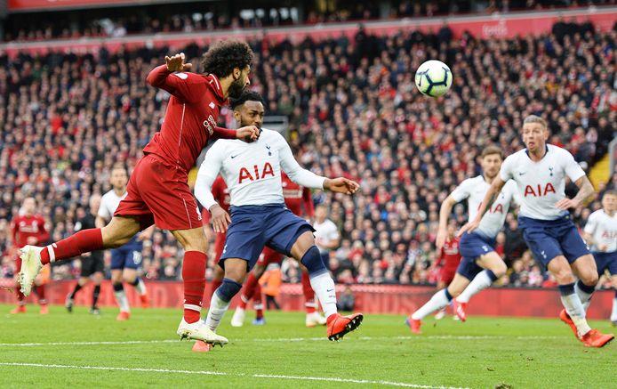 Salah kopt op doel, waarna Lloris en Alderweireld voor de 2-1 zorgen.