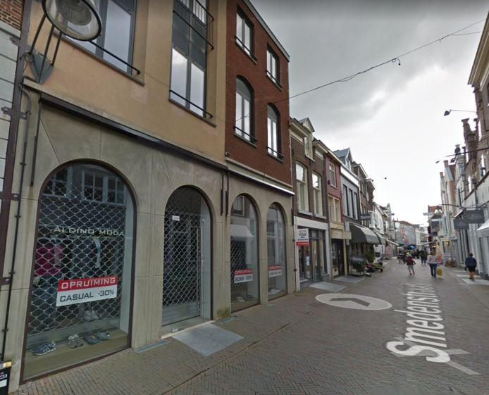 Het pand van Aldino Moda aan de Smedenstraat, in het centrum van Deventer.