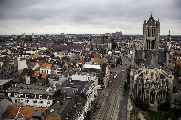 Gent is, met een gemiddelde prijs voor een woonhuis van 316.469 euro, de op een na duurste provinciehoofdstad. Beeld © Sergio Barrios