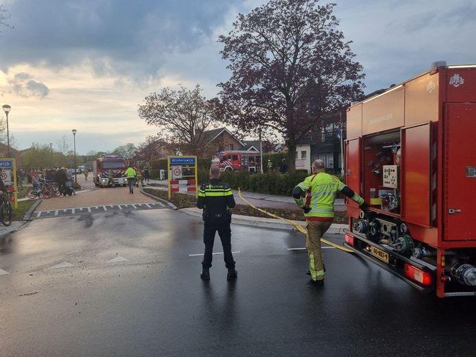 Bij een brand in Bed & Breakfast Steengroeve aan de Kloetenseweg in Winterswijk is veel rook vrijgekomen.