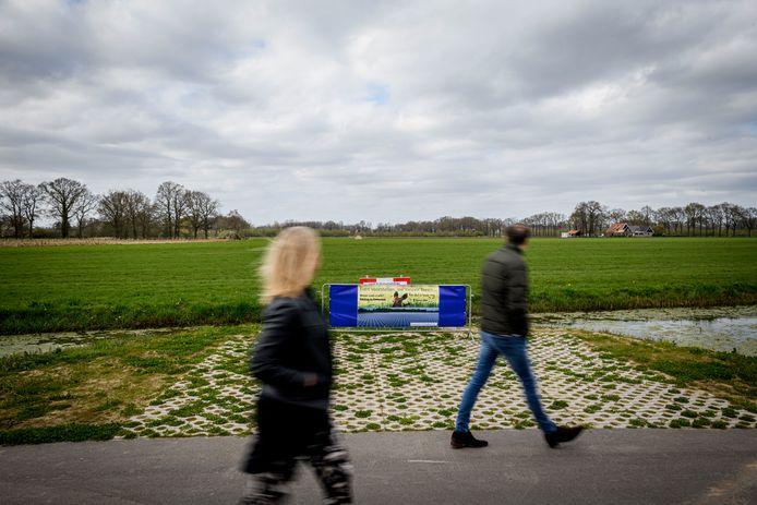 Het buitengebied tussen de Hengelose wijk Dalmeden en Deurningen trekt fietsers en wandelaars uit de wijde omtrek. Dat wordt anders als er zonnepanelen en windturbines komen, vrezen omwonenden.
