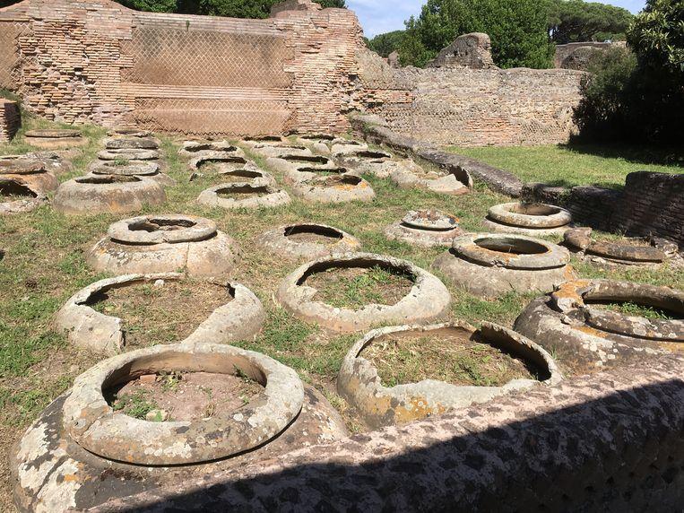 Opslagruimte voor wijn in Ostia, de haven van Rome. Beeld