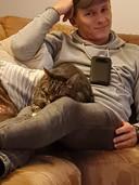 Vlak na de hereniging moest Tijgertje even bijkomen van het avontuur. Flink zelfs. Hij sliep hele dagen en at slecht. Zó moe was hij na vijf maanden 'overleven'.