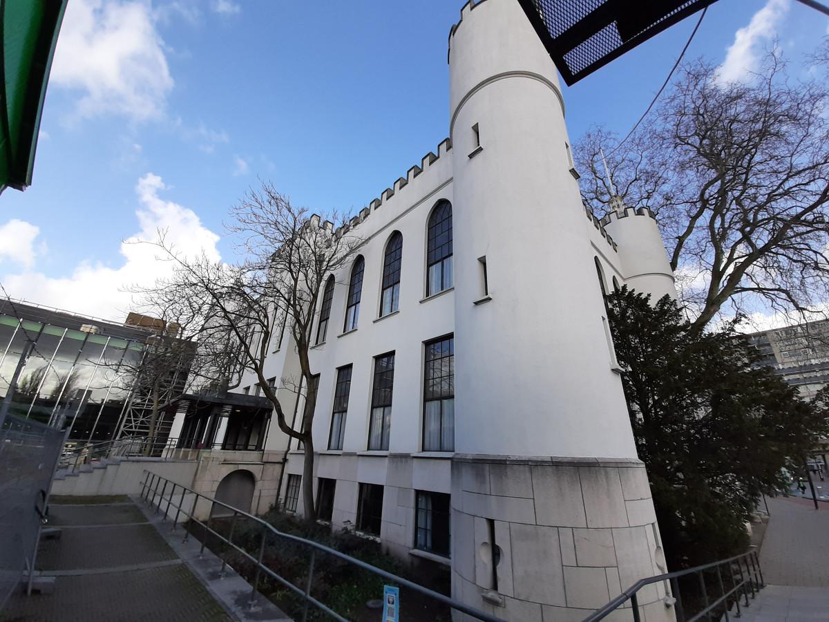 Ondanks de verbouwing van het stadhuis, is het Paleis zaterdag via het bordes toegankelijk.