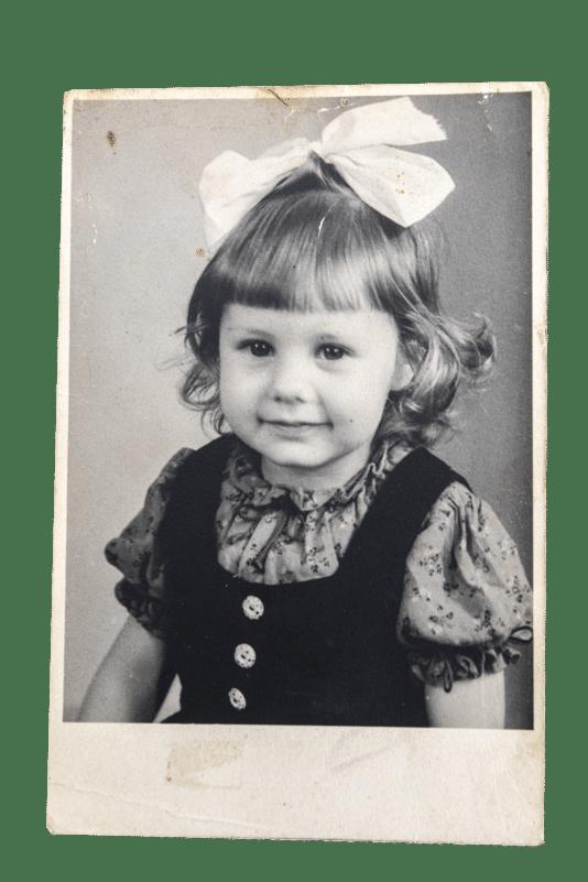 Adriana Meijer op (vermoedelijk) 5-jarige leeftijd (ongeveer 1946).