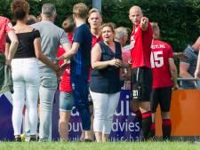 Voetbalhooligan uit Groningen moet cel in na geweldsexplosie op sportpark in Vriezenveen