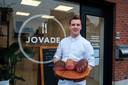 Jochem Van Dessel in zijn traiteur- en charcuteriezaak Jovade.