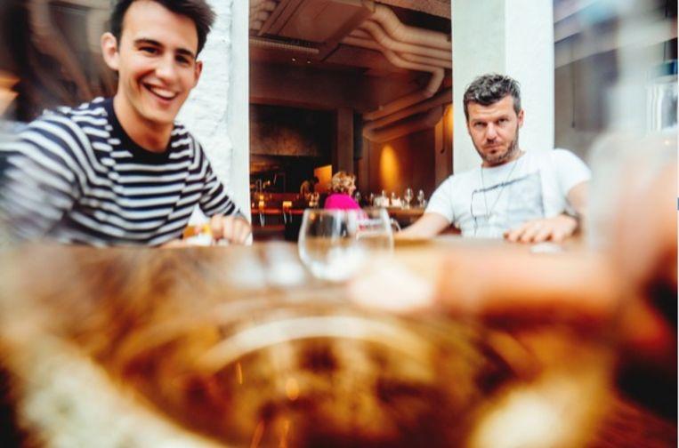Van Impe en De Mangeleer in een van De Mangeleers vele nieuwe projecten, het Brusselse LESS Eatery. Beeld Stefaan Temmerman