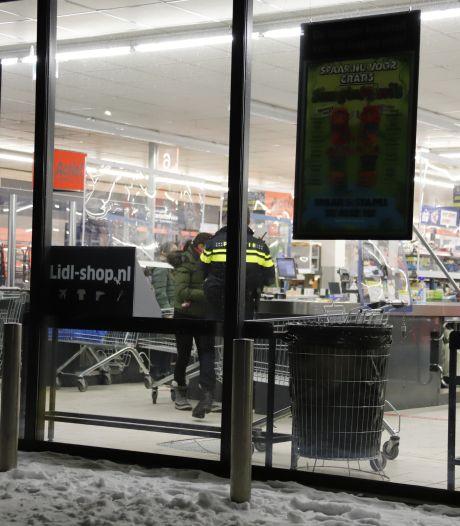Gewonde bij gewapende overval op Lidl in Cuijk, verdachte later op de avond aangehouden