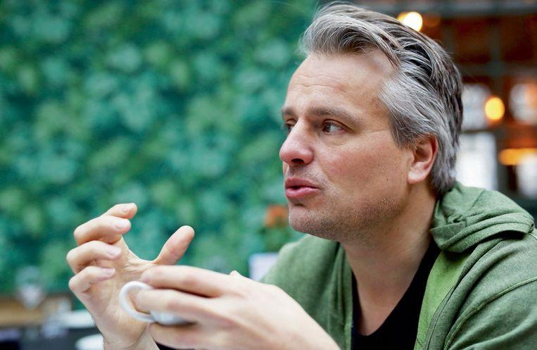 Joris Luyendijk: 'De brexit-aanhangers zijn voor méér democratie. Regeringsleiders sluiten compromissen met elkaar en de Commissie, en zeggen in hun eigen land: 'Er is geen alternatief.'' Beeld PhotoNews
