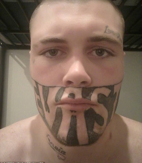 Toch baan voor man met tattoo op gezicht