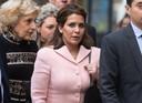 In 2019 sloeg prinses Haya op de vlucht, waarna zij haar ex-man voor de rechter sleepte om de voogdij om hun twee kinderen te eisen. Links op de foto staat haar advocaat Fiona Shackleton.