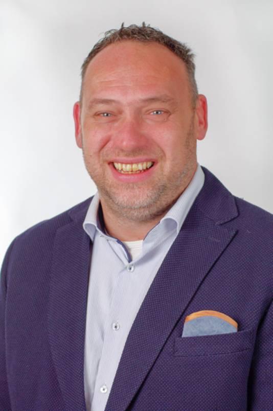 Oswald Velthuizen, raadslid van de gemeente Renkum namens GemeenteNelangen.